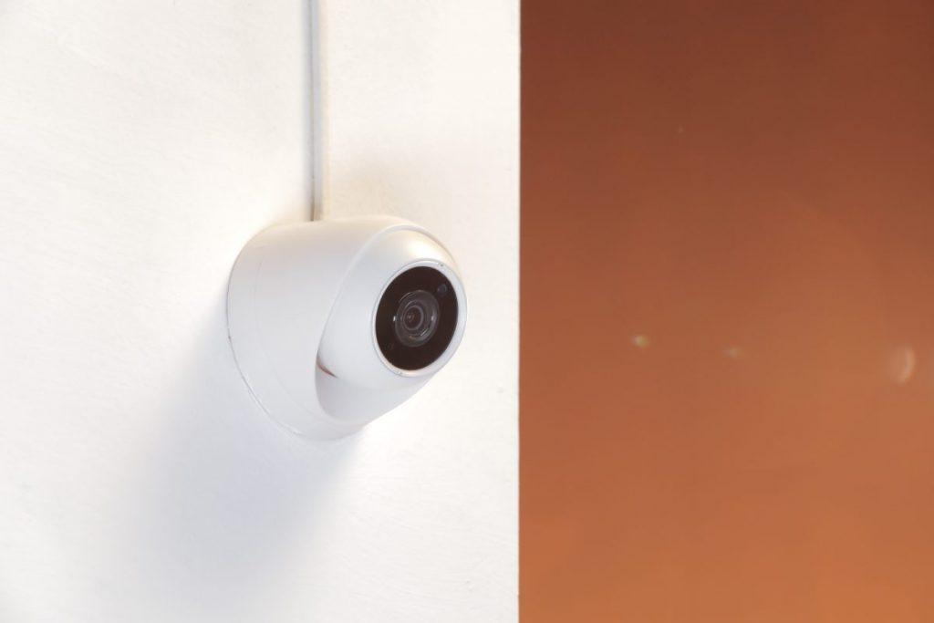 Camera an ninh trong nhà